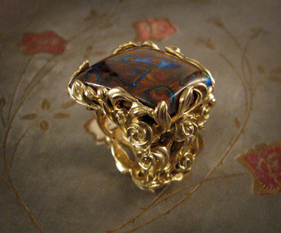 Rosebush ring; 18K gold