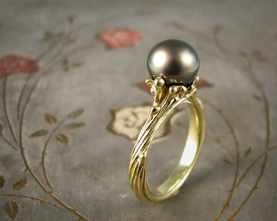 Tahitian pearl ring; 18K gold